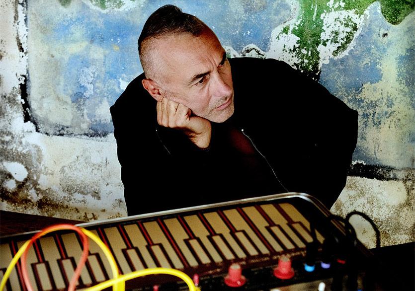 """Yann Tiersen'in Yeni Teklisi """"Poull Bojer"""" Yayımlandı"""