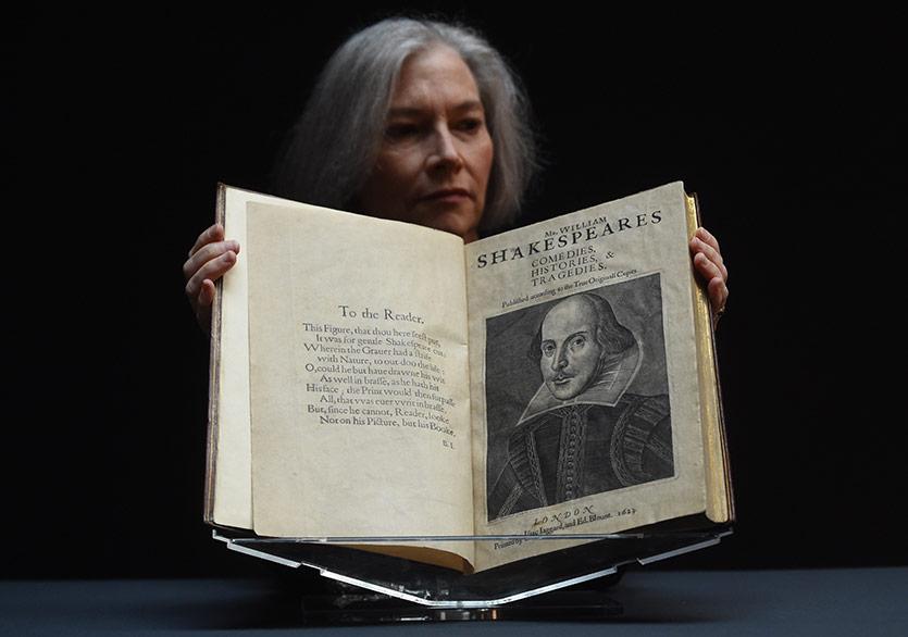 """Shakespeare'in """"First Folio""""su Açık Artırmada Rekor Kırdı"""