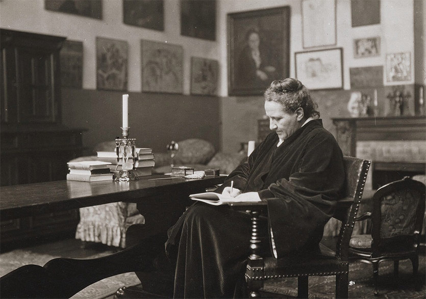 """Gertrude Stein'dan Eşyalara Dair: """"Hassas Düğmeler"""""""