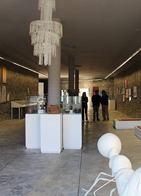 Bakıştaki Empati: Hayali Müze'den Tarihsiz Sergi'ye Postmodern Durum