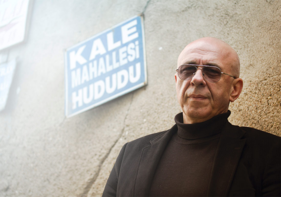 Sezgin Kaymaz'la Balat'ta Kahve Sohbeti