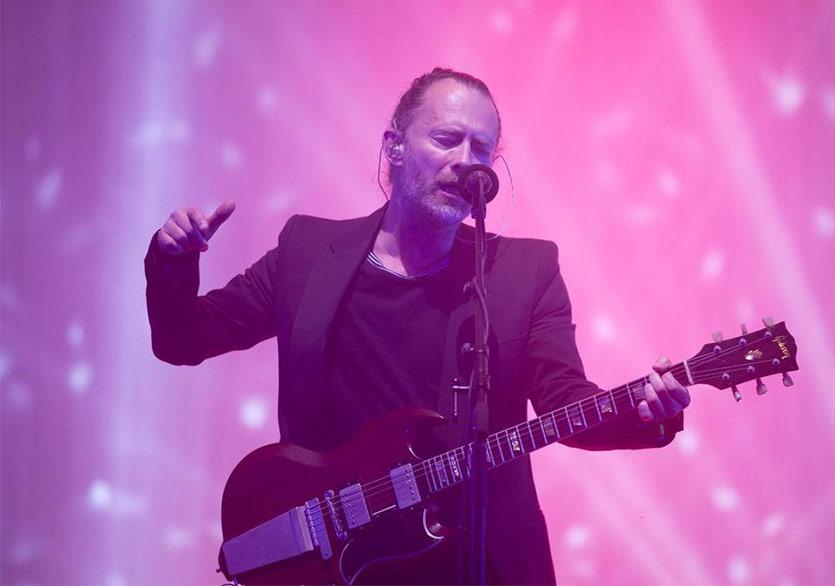 Thom Yorke'tan Noel İlhamlı Performans