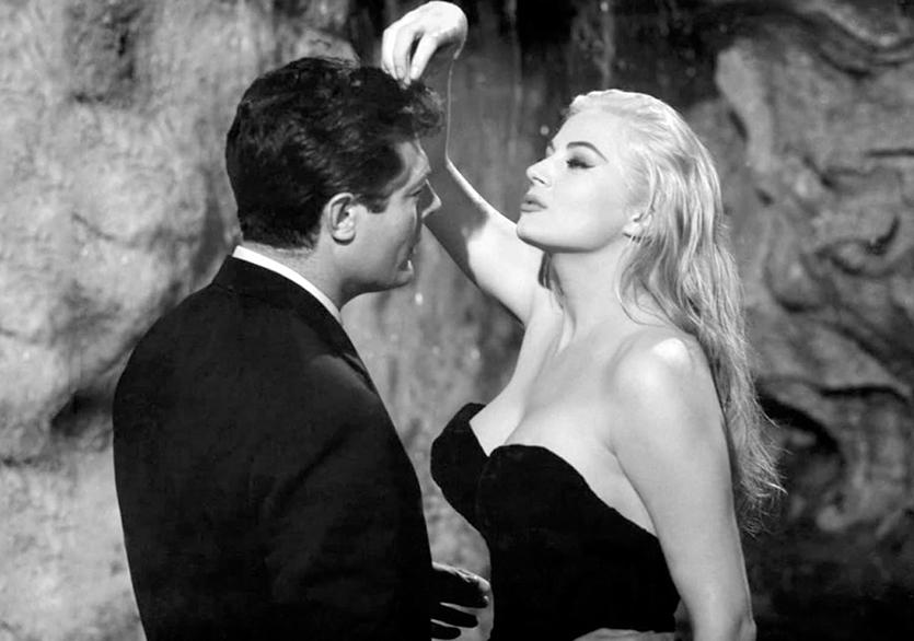 Fellini Dolu Bir Yaz