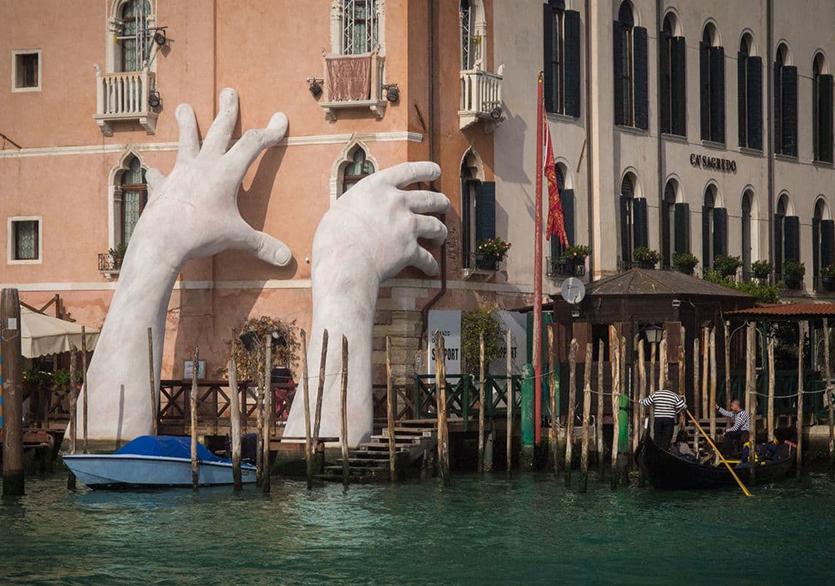 2021 Venedik Bienali Ertelendi