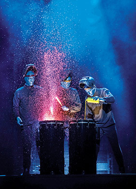 Dilsiz, Evrensel ve Mavi: Blue Man Group