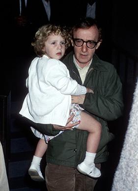"""Woody Allen: """"Dylan Farrow'u Kollarımı Açarak Karşılarım"""""""