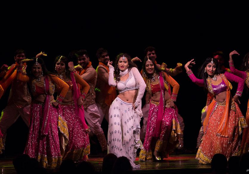 Bollywood'un Taj Express Müzikali Bu Akşam Son Kez Sahnede!