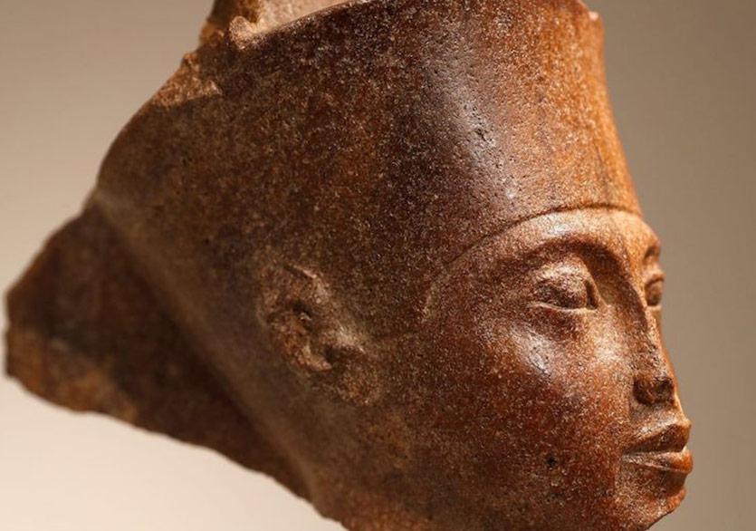 Kral Tutankhamun'un Antika Heykeli Rekor Rakama Satıldı