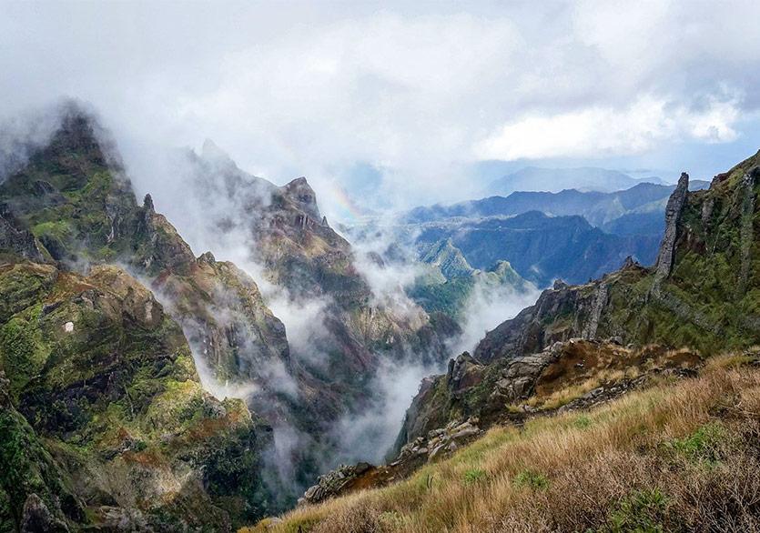 """Yann Martel'den """"Portekiz'in Yüce Dağları"""""""