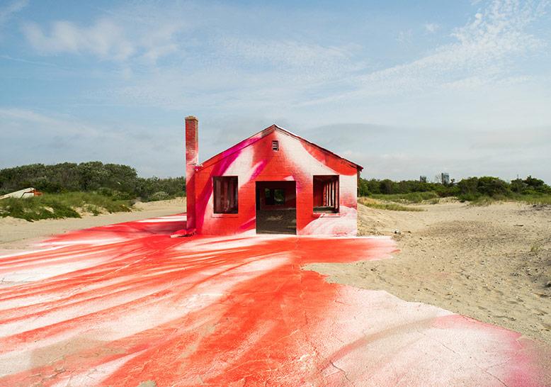 Çürümeye Yüz Tutmuş Binalara Hayat Veren Sanatçı