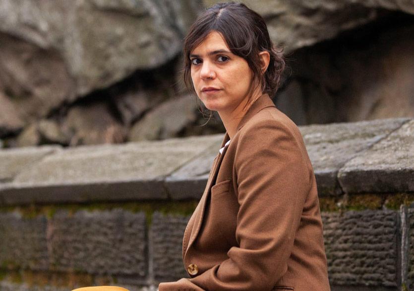 """Valeria Luiselli'den Çarpıcı Bir Metin: """"Bana Sonunu Söyle"""""""