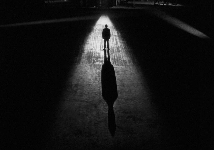 """Karanlık, Keskin ve Sürprizli Bir Roman: """"Bir Katilin Güncesi"""""""