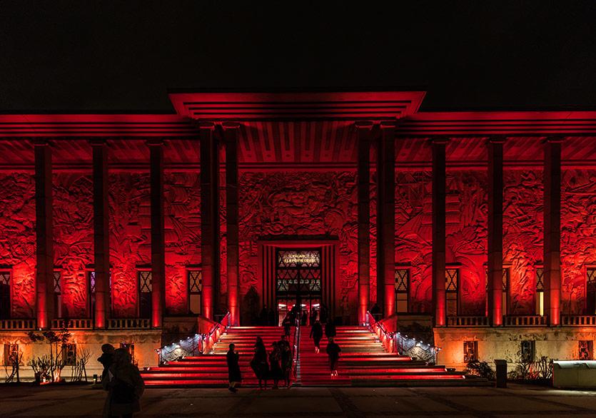 Le Palais de la Porte Dorée'de Christian Louboutin Sergisi