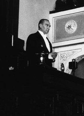 """Günümüz Okuruna """"Mustafa Kemal Atatürk'ün Meclis Konuşmaları"""""""