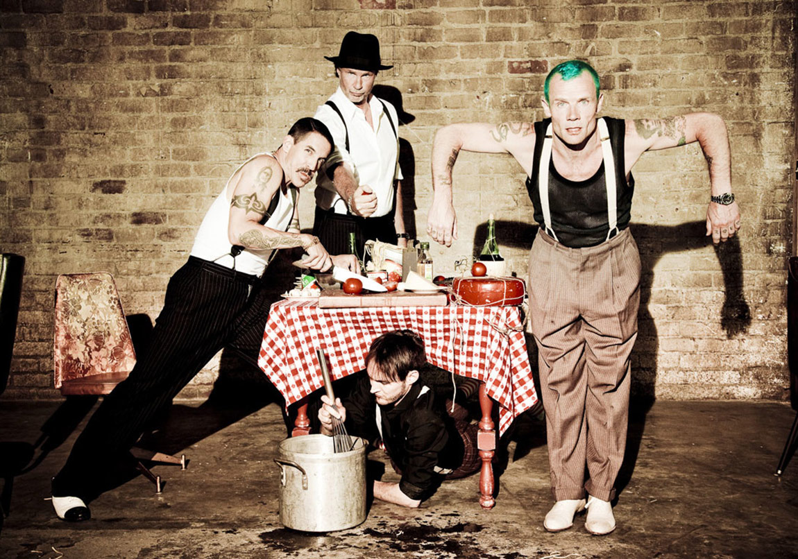 Red Hot Chili Peppers'tan Yeni Klip