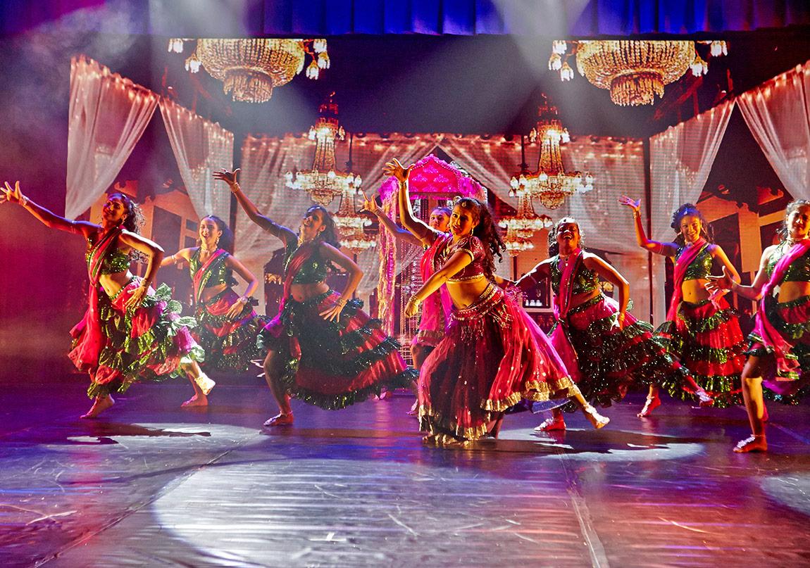 A Passage to Bollywood Mayıs Ayında Sahnede!