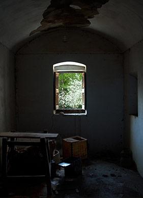 Yalnızlık Manzaraları ve Zamanının Ötesinden Nüler