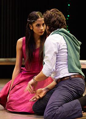 Moda Sahnesi'nde Bizden Bir Shakespeare