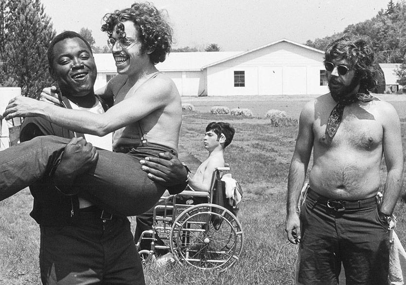 Crip Camp Belgeselinden Fragman Geldi