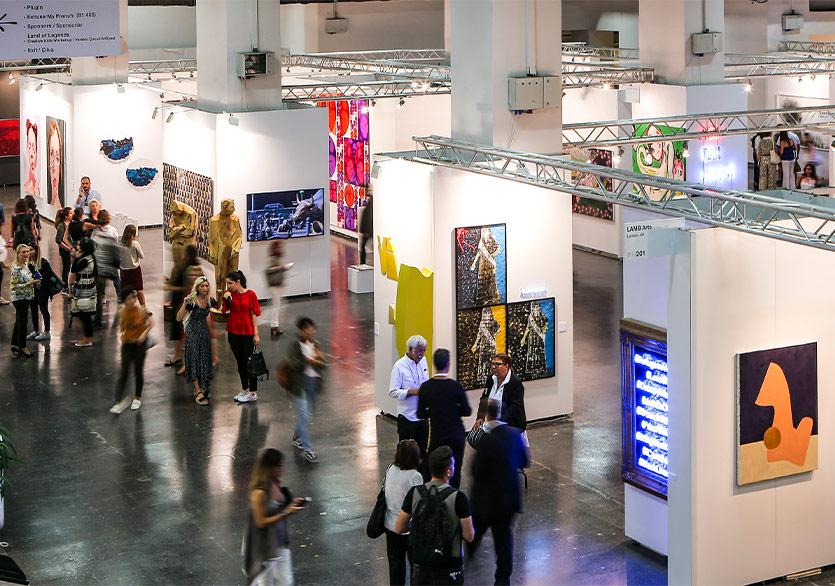 15. Contemporary Istanbul Hem Fiziki Hem de Çevrim İçi