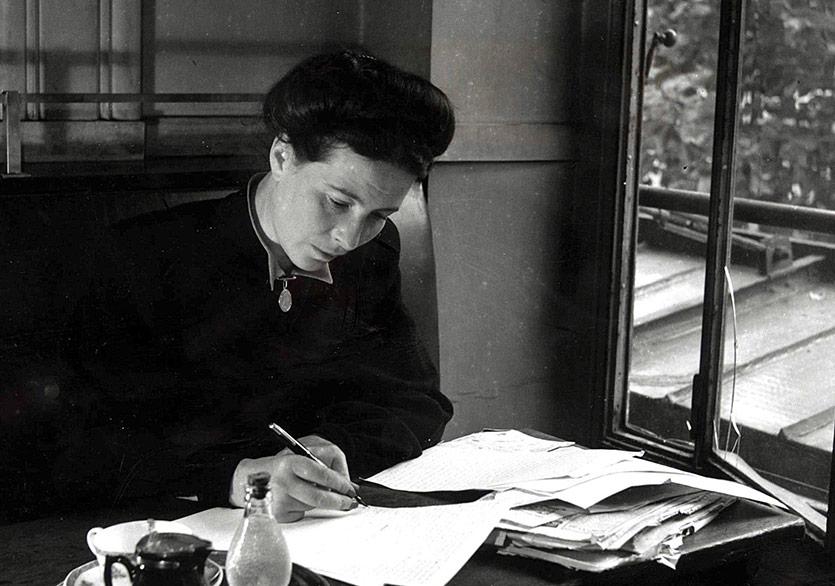 Simone de Beauvoir'ın Yayımlanmamış Romanı: Les Inséparables