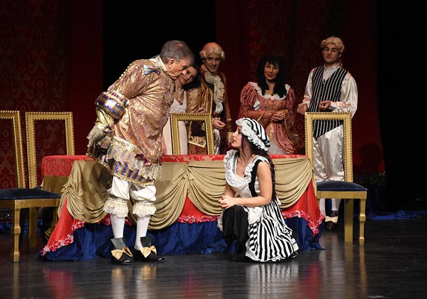 Tiyatronun Önemli Eserleri 42 Maslak'ta İninal Espor ARENA'da