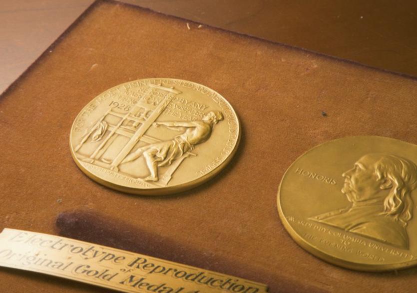 Christopher Knight Pulitzer Ödülü'nü Kazandı