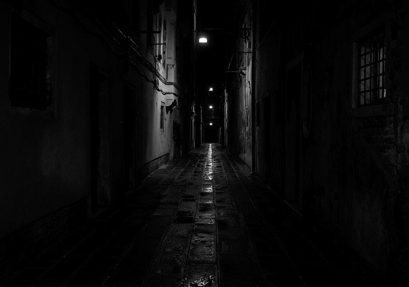 Dar Sokaklardan Geniş Boşluklara