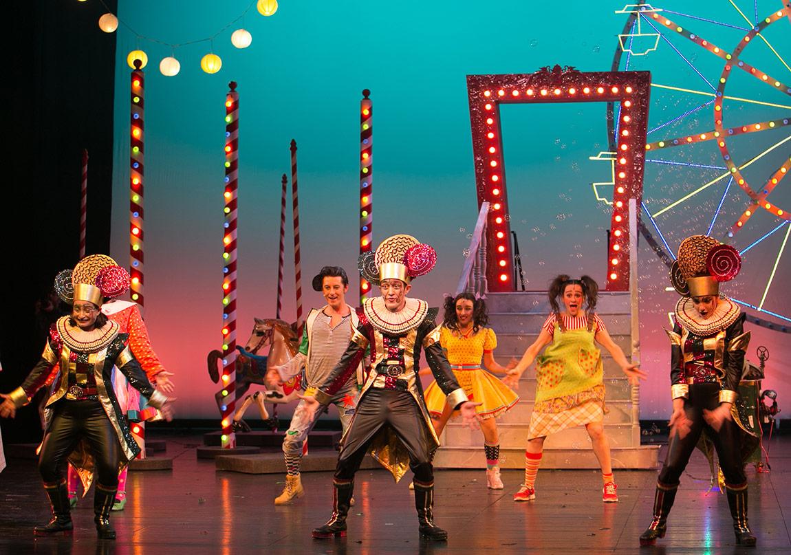 Çocuk Tiyatrosu Perdelerini Açıyor