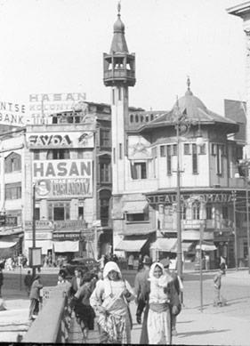 Karaköy'de Kadın Olmak