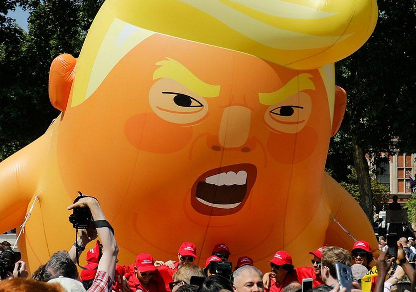 Müzeler Trump Baby'nin Peşinde!
