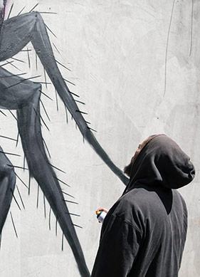 Mücadelenin Temsili Hamam Böcekleri
