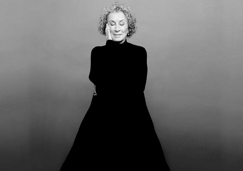Margaret Atwood'tan Sonbaharda Bir Şiir Kitabı: Dearly