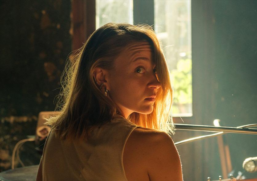 """Melisa Karakurt'tan Yeni Tekli: """"Saçlarımı mı Kessem"""""""