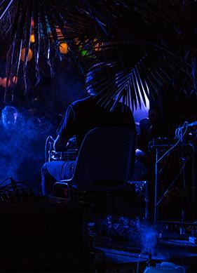 Hipnotik Bir Müzik Akışı: İnsanlar