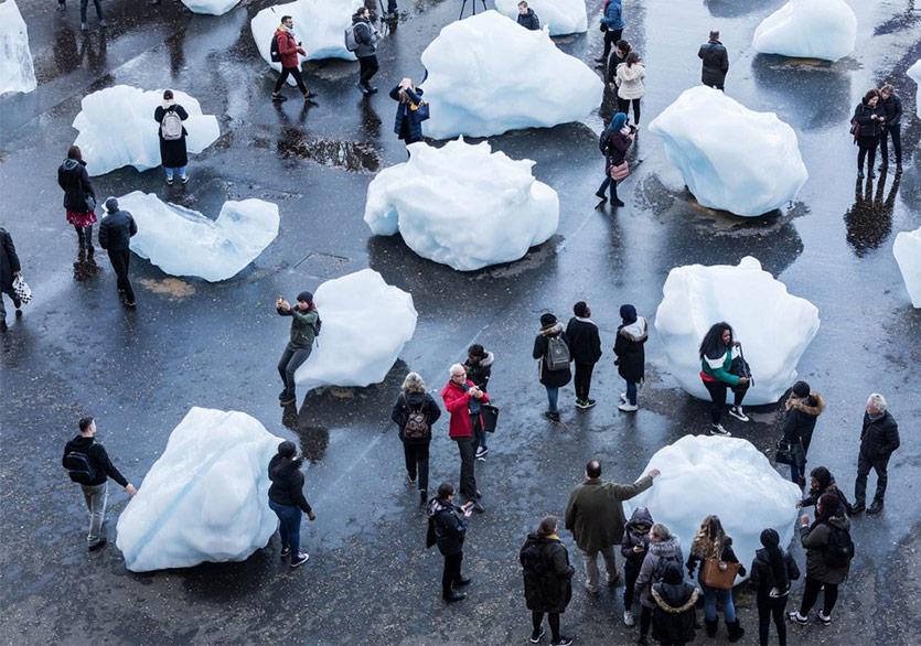Londra Buzullarla Kaplandı