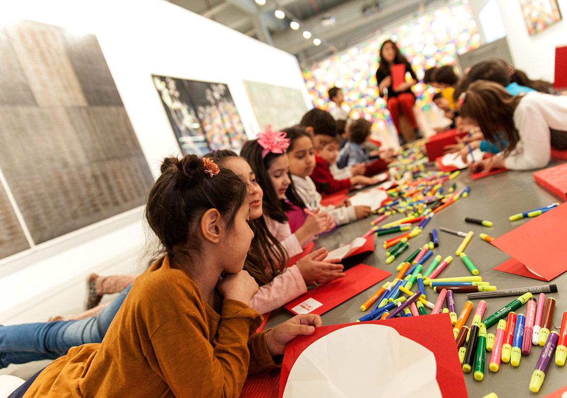 Çocuklar İçin Sanat Dolu Bir Gelecek