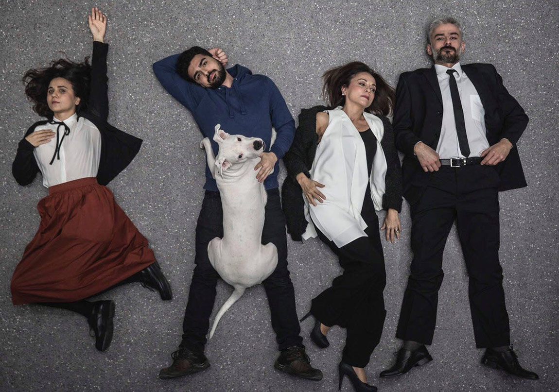 Köpeklerin İsyan Günü Sezonu Açıyor