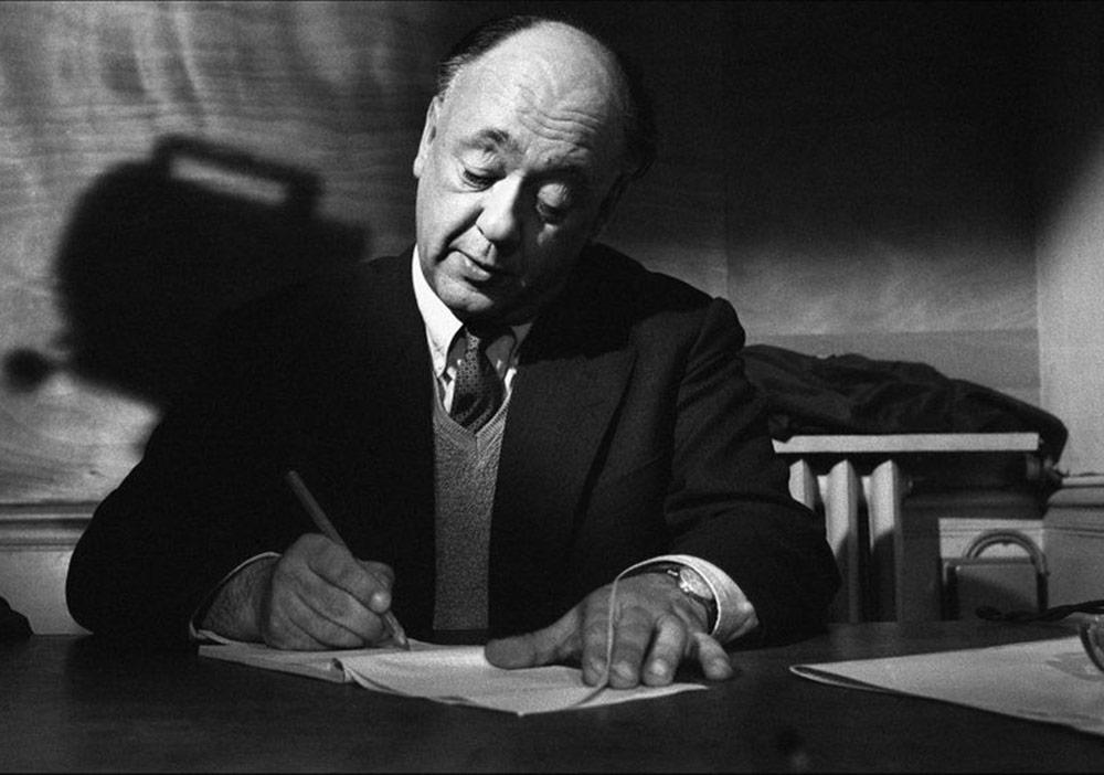 """Eugène Ionesco'nun """"Siyah ve Beyaz""""ı"""