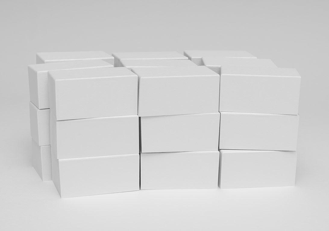 """""""27 kutu"""", fotoğraf, 100x66cm, parlak kağıt üzerine c-print diasec, 2014"""