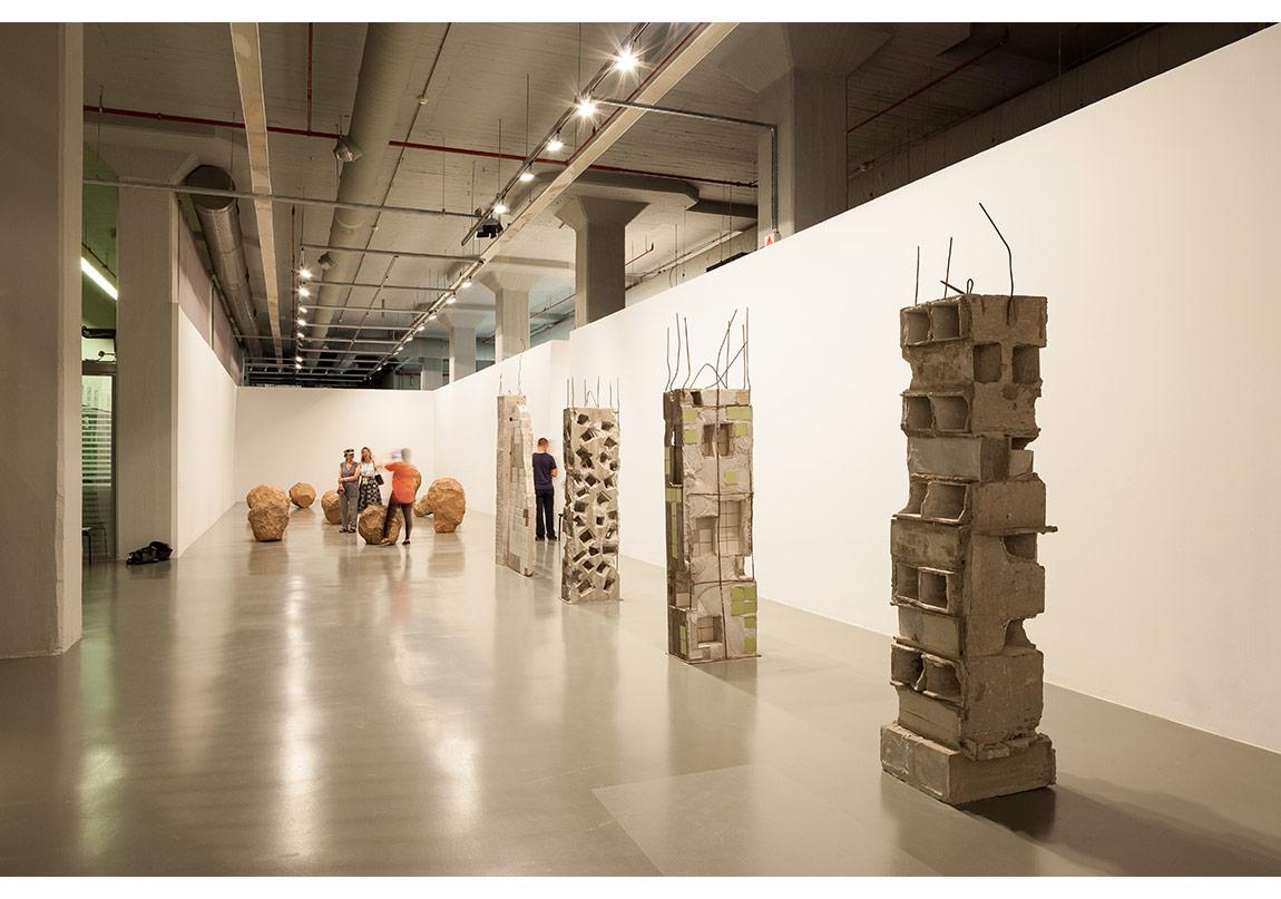 """Marwan Rechmaoui, 'Pillar' series (""""Sutun"""" Serisi), 2015, 14 Sütun, beton, metal ve karışık teknik"""