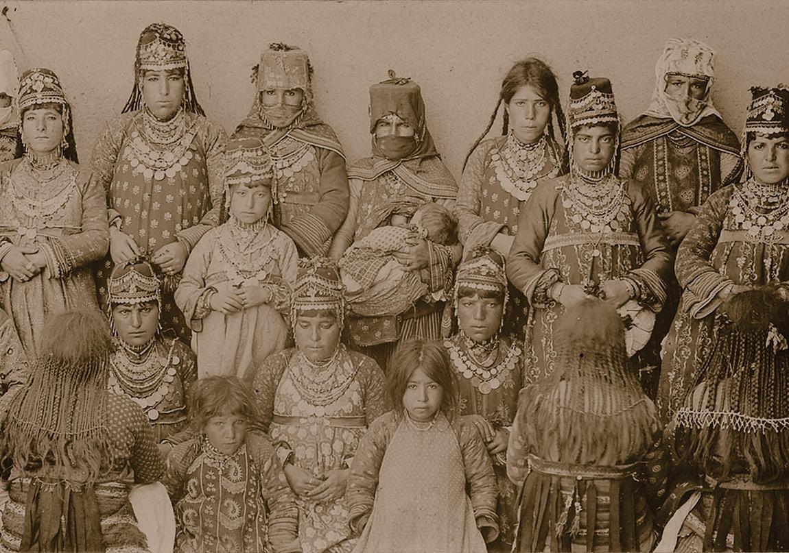 Sekiz Yüz Yıllık Ortak Yaşam Kartpostallara Yansıyor