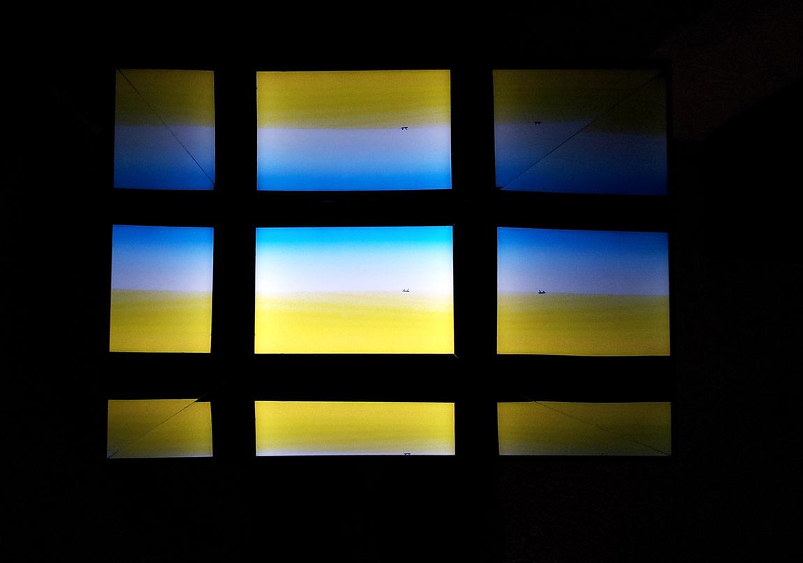 Indefinite Time: Isıklı kutu yerlestirmesi, 2012, Halep Pasajı, Curator: Ali Şimsek.
