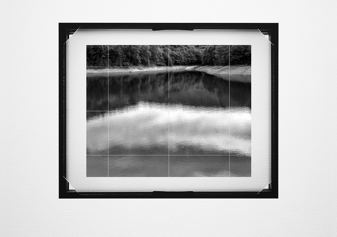 Ahmet ElhanGround Glass #010, 2015Pigment mürekkep baskı,42x46 cmUnique