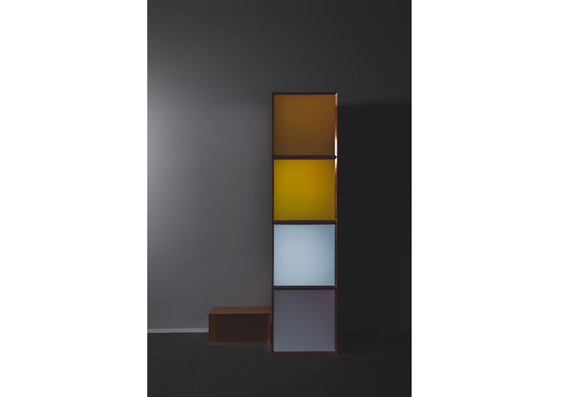 Angela Bulloch, Bakır İstifi 4, 2012, 202 x 50,5 x 50,5 cm, Bakır DMX mod¸ll¸ dört adet piksel kutu