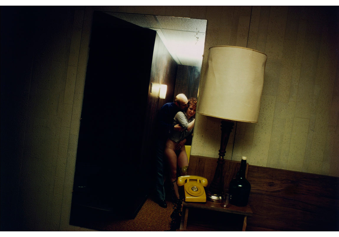 Nan ve Dickie York Motel'de, New Jersey, 1980 © Nan Goldin. The Museum of Modern Art, New York izniyle.