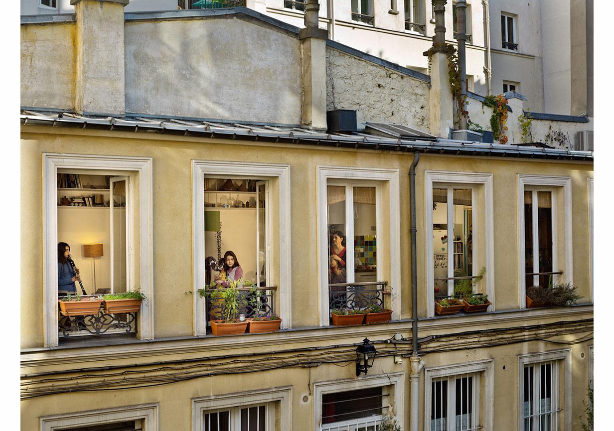 Paris, 'Out My Window' serisinden © Gail Albert Halaban