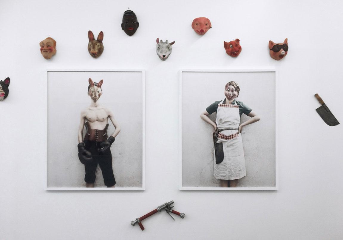 'Bulletproof' sergisinden genel görünüm Fotoğraf: © School Gallery Paris / Olivier Castaing