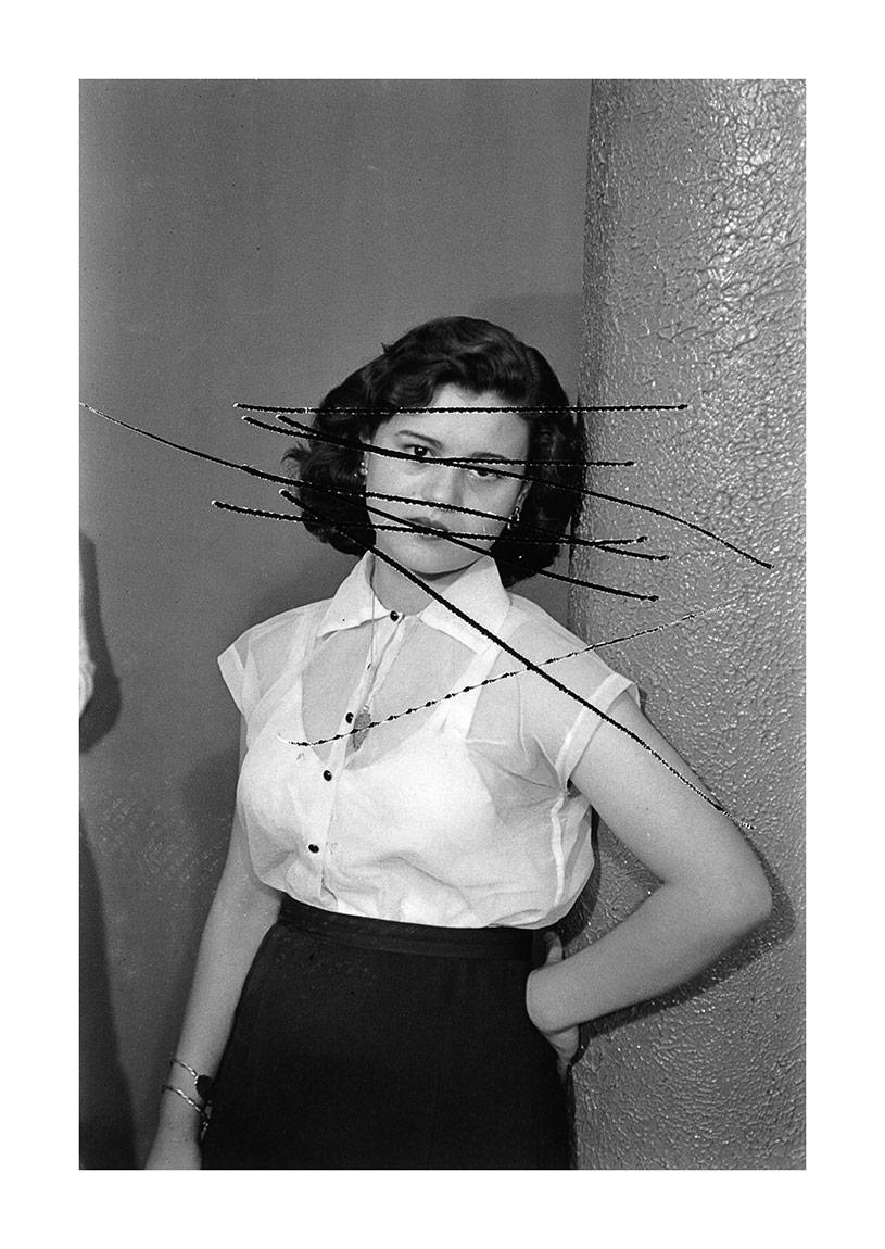 Akram Zaatari, Scratched portrait of Mrs. Baqari. Studio Shehrazade [Bayan Baqari'nin çizili portresi. Stüdyo Şehrazad], 1957/2012 Hashem el Madani arşivindeki çizilmiş bir 35mm negatiften üretilmiştir. Sanatçı ve Sfeir-Semler Gallery'nin (Beyrut/Hamburg) izniyle