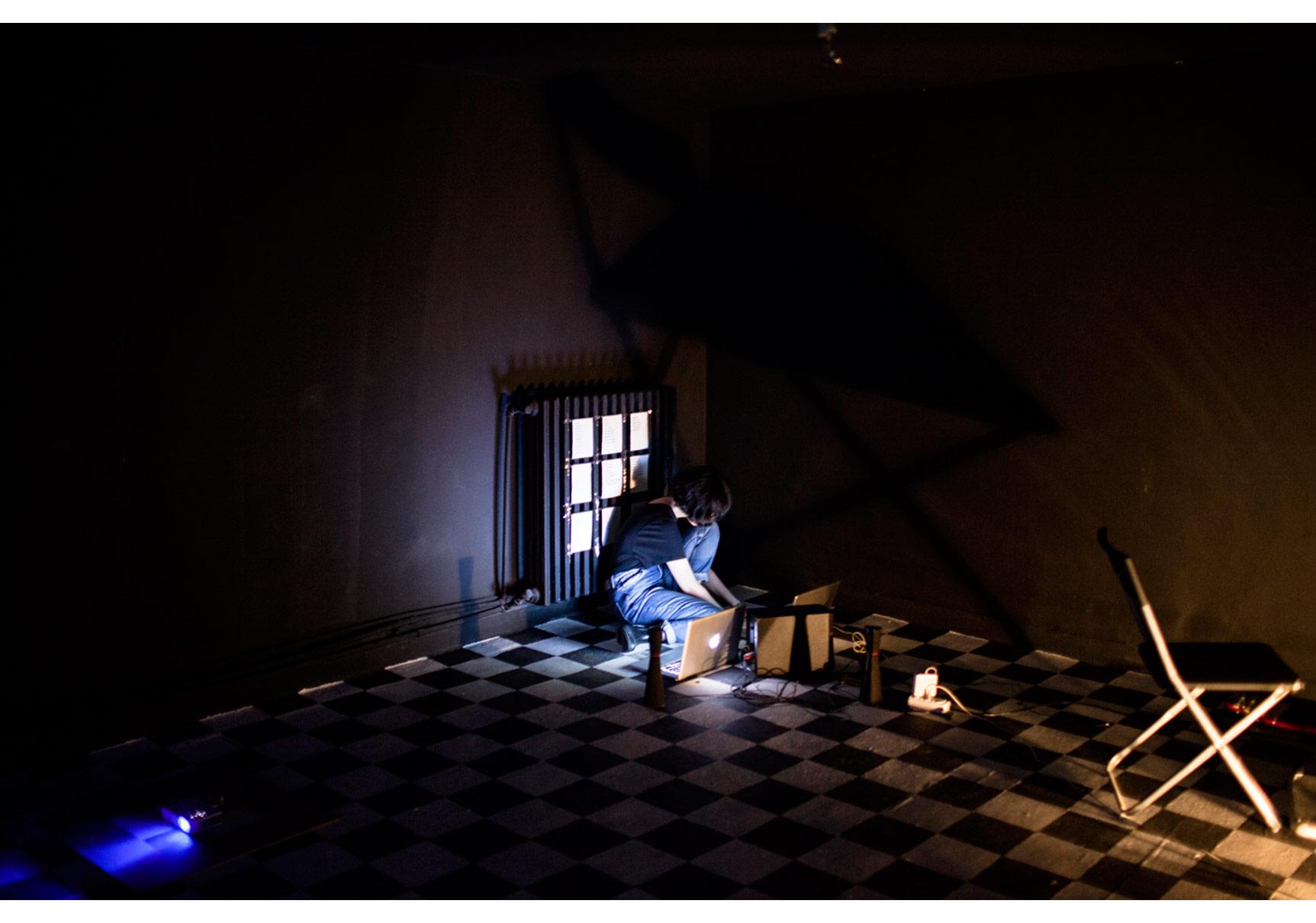 """""""İpi Çekin Aşağıdayız"""" Performans, TorunZeynep Kayan alt katta, Eylül 2014"""